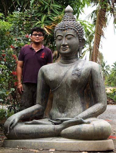 Chaing Saen Buddha Statue