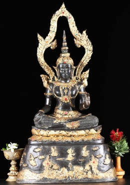 Royal Thai Buddha With Golden Siraschakra 25