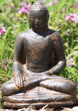 Small Earth Touching Garden Buddha Statue 8